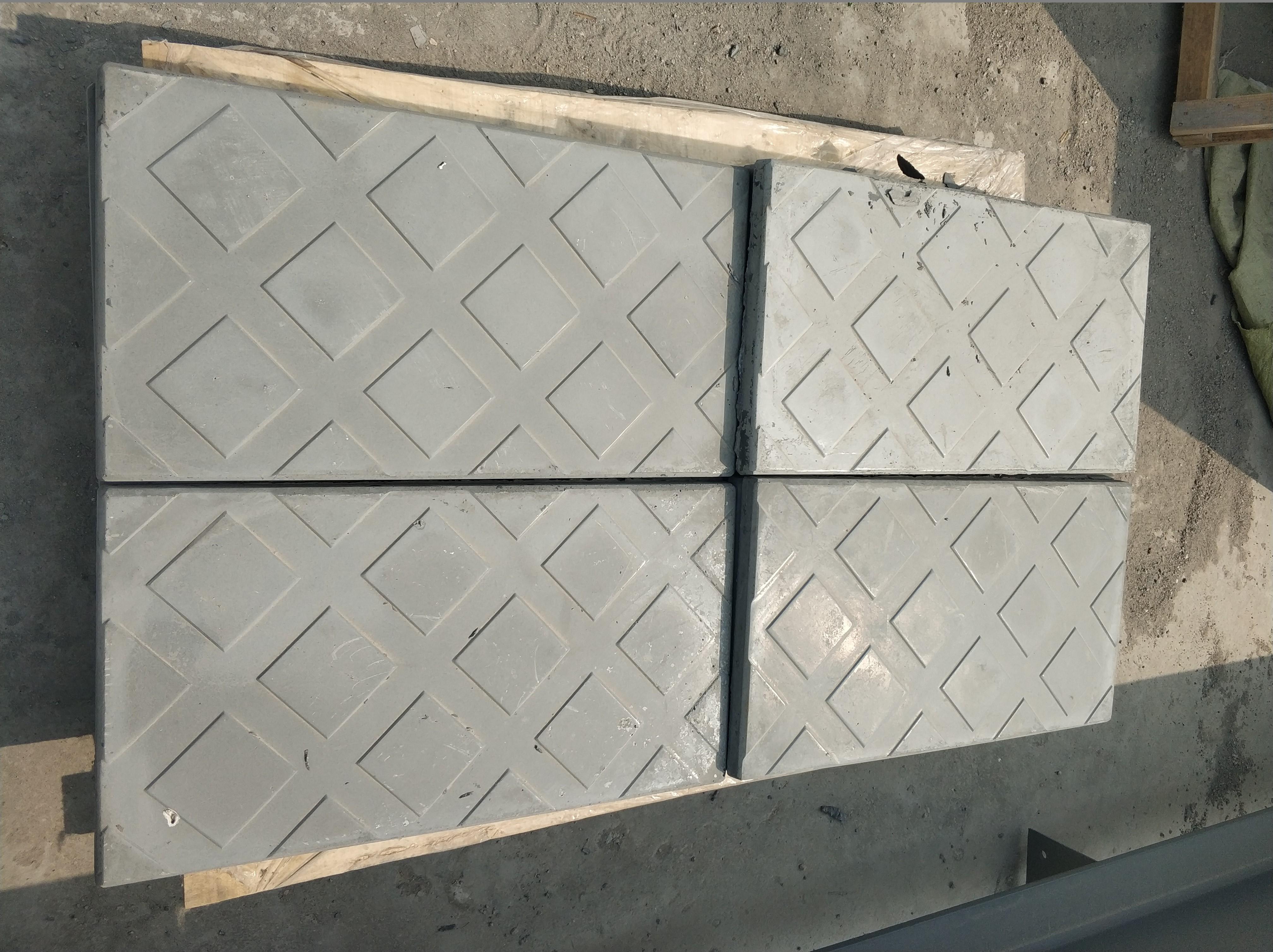 安装复合电缆沟盖板时的注意事项